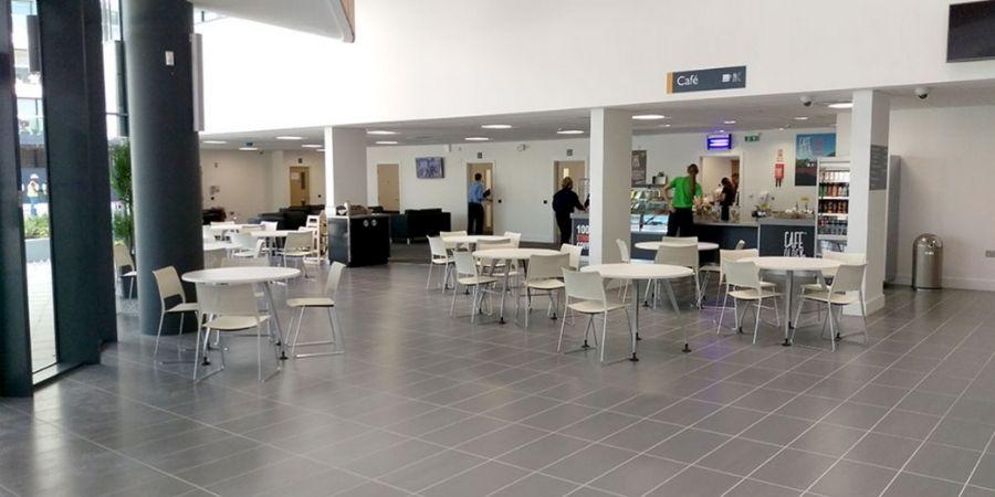 Cafetería Twin, amplio espacio para comodidad de los estudiantes