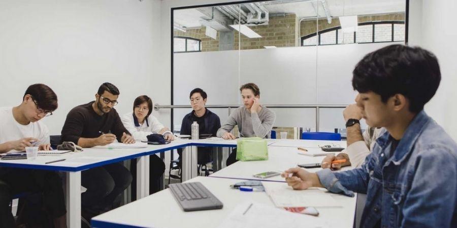Estudiantes British Study, en clases