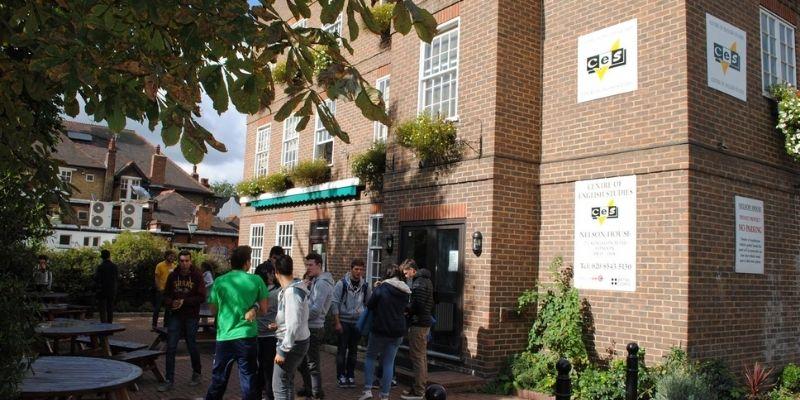 Edificio del Instituto de Ingles CES Londres